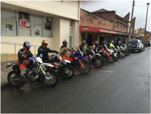 big bike adventure tours stop for morning tea at Gloucester
